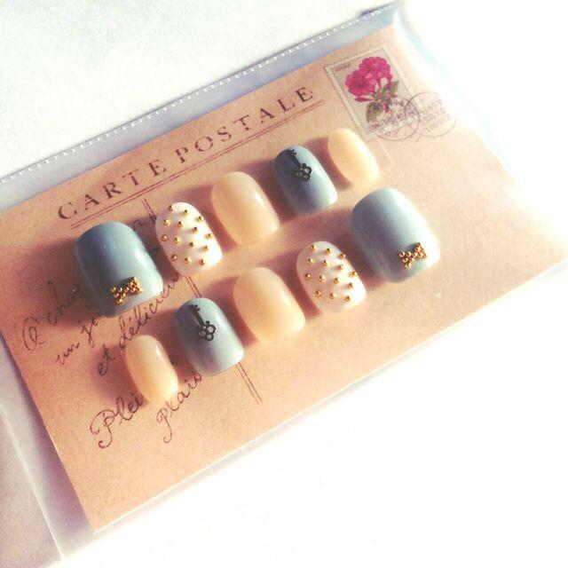 ネイルチップ*ちび爪・ベリーショート コスメ/美容のネイル(つけ爪