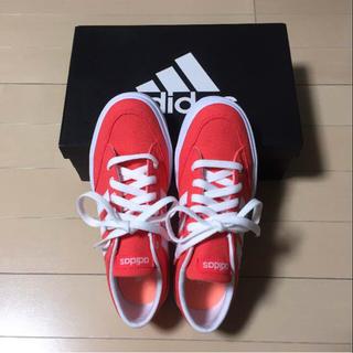 アディダス(adidas)の【新品未使用】残り一足‼️軽量adidasスニーカー(オレンジ)(スニーカー)