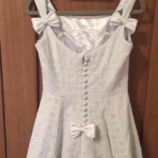 ヴェラウォン(Vera Wang)の今週のみ値下げ 刺繍とリボンのウェディングドレス(ウェディングドレス)