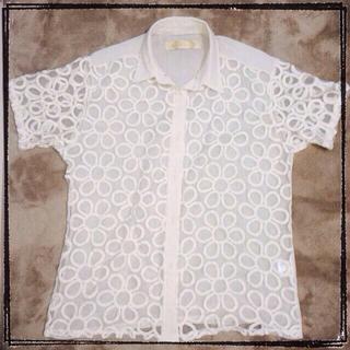 アーモワールカプリス(armoire caprice)の値下❗️送料込!花柄レースシャツ(シャツ/ブラウス(半袖/袖なし))