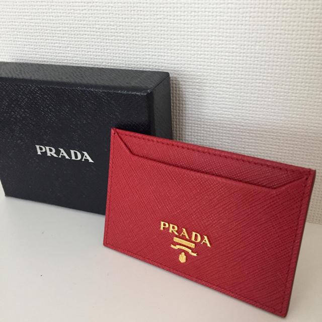 finest selection ad3f0 35da9 【Luca*様専用】PRADA 定期入れ 赤 | フリマアプリ ラクマ