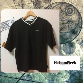 ハイドアンドシーク(HIDE AND SEEK)のhyde&seek Vネックロゴ入りカットソー(Tシャツ/カットソー(半袖/袖なし))