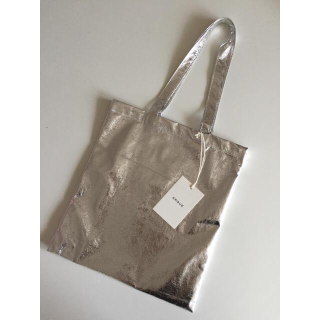 A.P.C(アーペーセー)のargue*メタルバックトート*シルバー レディースのバッグ(トートバッグ)の商品写真