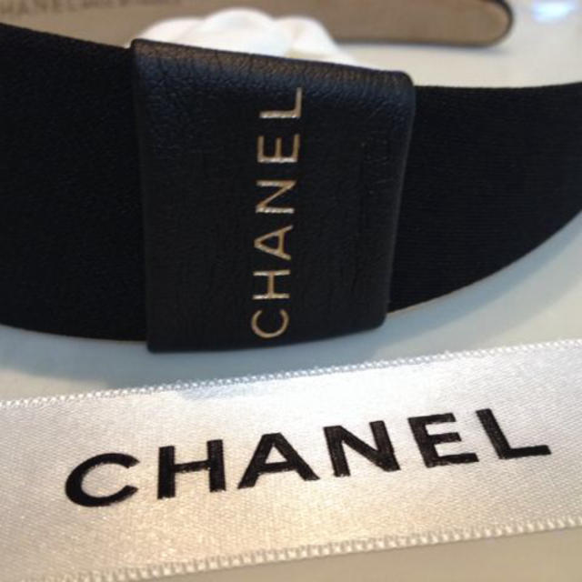 de13dc59a0fd CHANEL(シャネル)のシャネルノベルティ新品カチューシャ レディースのヘアアクセサリー(カチューシャ)