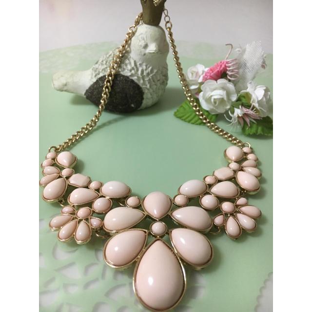 H&M(エイチアンドエム)のミルキーピンク♡ネックレス レディースのアクセサリー(ネックレス)の商品写真