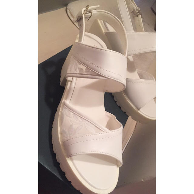 白サンダル レディースの靴/シューズ(サンダル)の商品写真