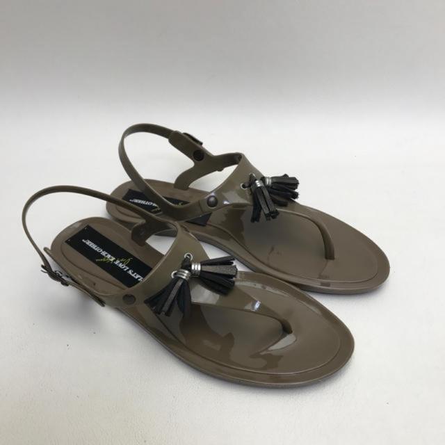 未使用☆marie club ラバートングサンダル DBR 23.5㎝ レディースの靴/シューズ(サンダル)の商品写真
