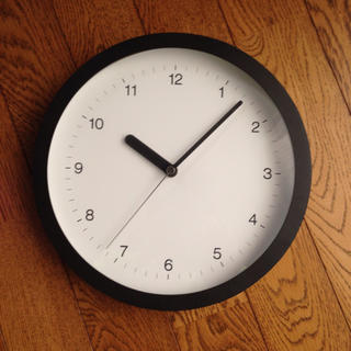 ムジルシリョウヒン(MUJI (無印良品))のMUJIデザイン壁時計 大 6800円⬛️半額以下(掛時計/柱時計)