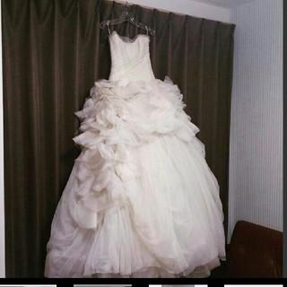 ヴェラウォン(Vera Wang)の9/30まで価格verawang ヴェラウォンHayleyヘイリー ベールパニエ(ウェディングドレス)