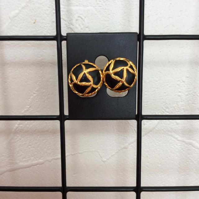 Y-9☆上品♡ボタンイヤリング☆ネイビー&ゴールド ハンドメイドのアクセサリー(イヤリング)の商品写真