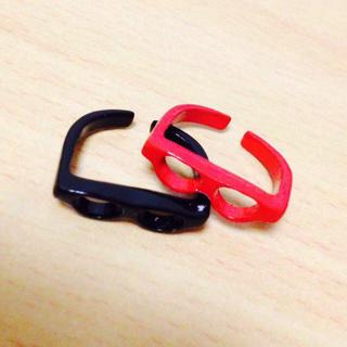 赤黒メガネリング(リング(指輪))