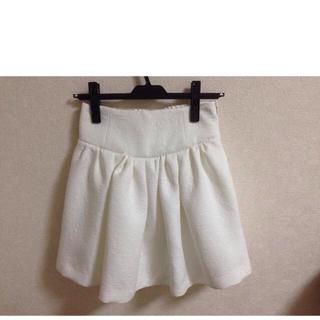 ローリーズファーム(LOWRYS FARM)の白フレアスカート(ミニスカート)