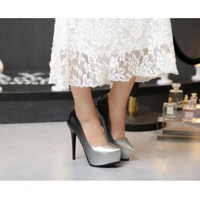 【新作】ハイヒール パンプス 高級感 シルバー レディースの靴/シューズ(ハイヒール/パンプス)の商品写真