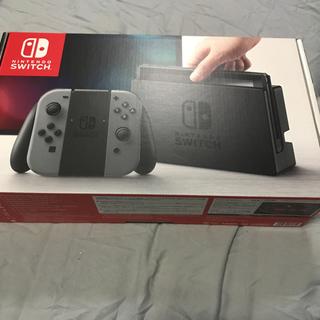 ニンテンドースイッチ(Nintendo Switch)のメーカー1年保証 『新品未開封』 ニンテンドースイッチ 本体 グレー 任天堂(家庭用ゲーム機本体)