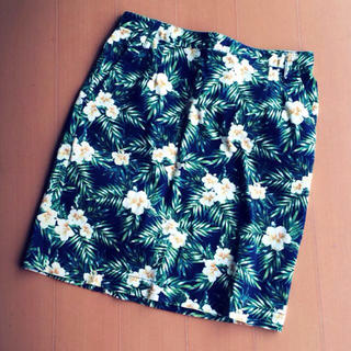 ローリーズファーム(LOWRYS FARM)の花柄○タイトスカート(ミニスカート)