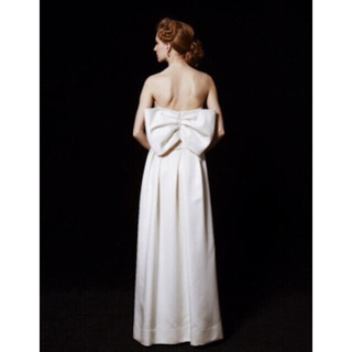 f63e1db3ae50d Vera Wang -  新品未使用タグ付 バックリボンウェディングドレスの通販 ...
