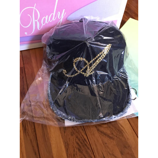 Rady(レディー)のRady シャンパンAビジューキャップ インディゴブルー レディースの帽子(キャップ)の商品写真