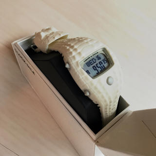 カバンドズッカ(CABANE de ZUCCa)のZUCCa 腕時計 限定ホワイトモデル! 新品未使用品! 格安出品致します!(その他)