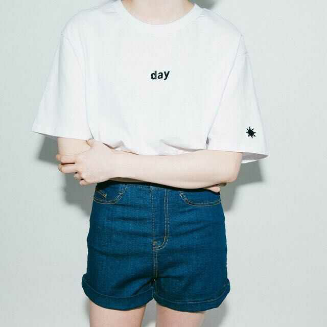【激安】 night Tシャツ かわいい ブラック レディースのトップス(Tシャツ(半袖/袖なし))の商品写真