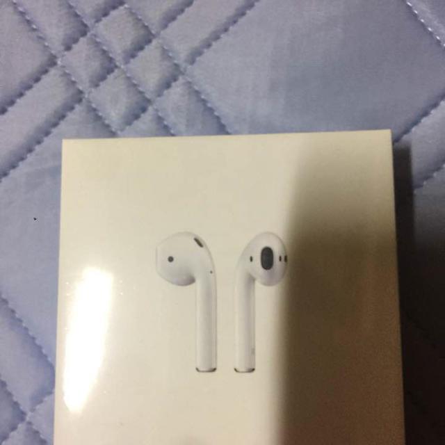 Apple(アップル)のエアーポット 新品 未開等 スマホ/家電/カメラのスマホアクセサリー(ストラップ/イヤホンジャック)の商品写真