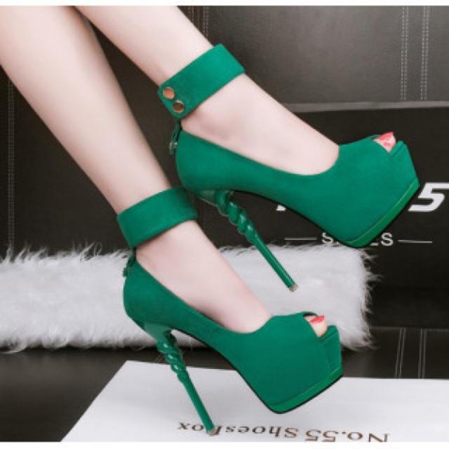 【新作】ベルト ハイヒール パンプス 高級感 グリーン レディースの靴/シューズ(ハイヒール/パンプス)の商品写真