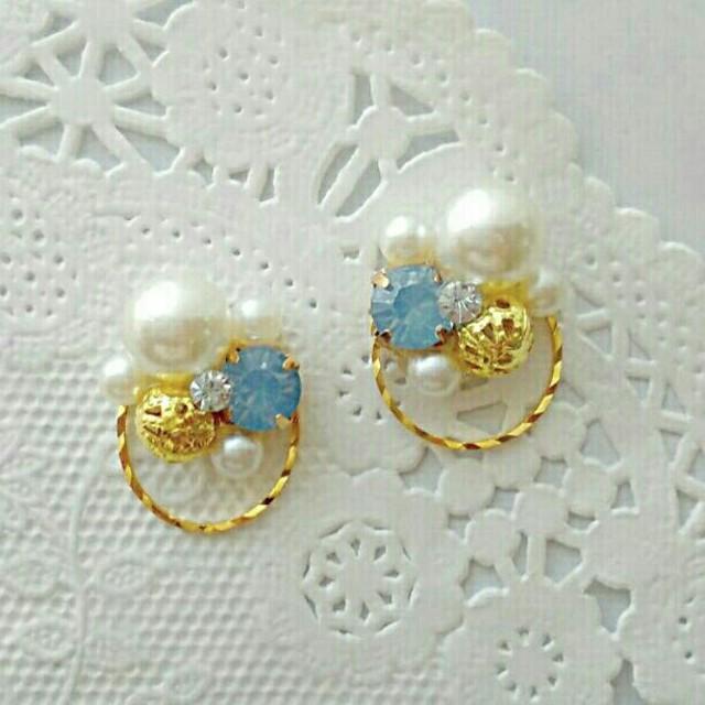 リングビジューピアス☆ブルー ハンドメイドのアクセサリー(ピアス)の商品写真