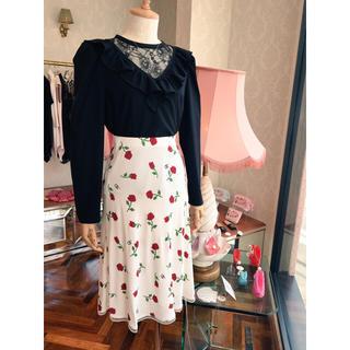 ベリーブレイン(Verybrain)のrose pt skirt(ひざ丈スカート)