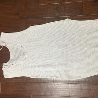 ジーユー(GU)の新品 GU スリッド入りトップス☺︎M(カットソー(半袖/袖なし))