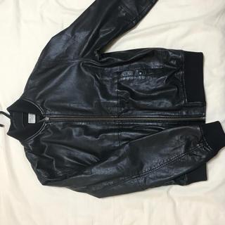 ヌーディジーンズ(Nudie Jeans)の革ジャン MA-1(レザージャケット)