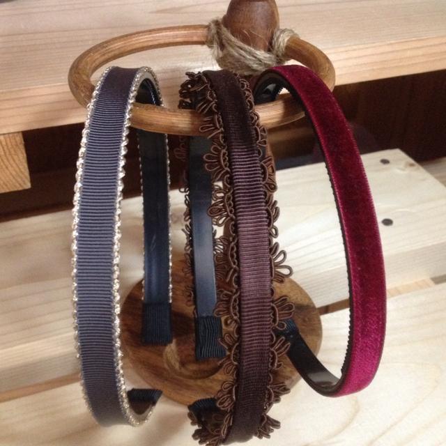 秋色カチューシャ3点セット レディースのヘアアクセサリー(カチューシャ)の商品写真