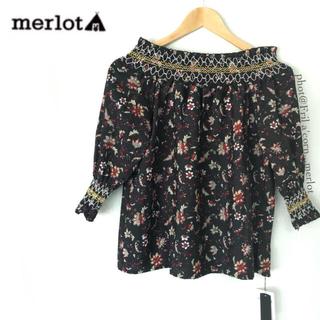 メルロー(merlot)のメルロー 2wayボタニカルオフショルダートップス *ブラック(シャツ/ブラウス(半袖/袖なし))