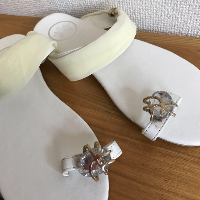 新品!ペタンコサンダル★白 ビジューレース レディースの靴/シューズ(サンダル)の商品写真