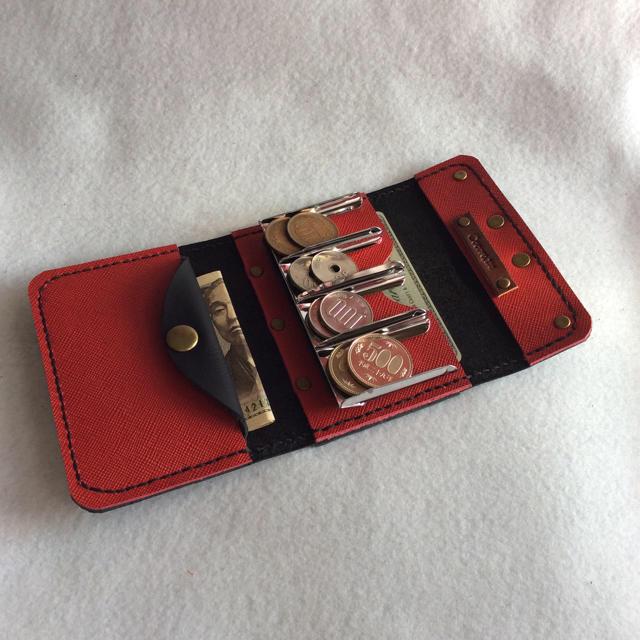 0dddd80cc164 本革 コインキャッチャー 財布 (ブラック、内側レッド) ハンドメイドのファッション小物(