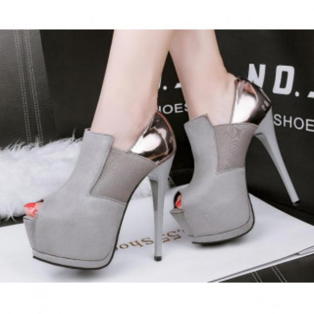 【新作】美脚 ハイヒール パンプス 高級感 グレー レディースの靴/シューズ(ハイヒール/パンプス)の商品写真