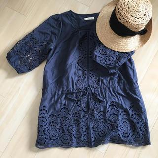 スリーフォータイム(ThreeFourTime)のスリーフォータイム 刺繍トップス/ワンピ  ネイビー(Tシャツ(半袖/袖なし))