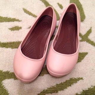 クロックス(crocs)のクロックスレディースシューズ23.5cm(ローファー/革靴)