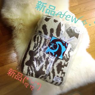 カシウエア(kashwere)の【新品】カシウェア ダマスク ブランケット タオルケット 毛布(毛布)