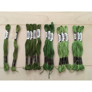 オリンパス(OLYMPUS)のオリムパス*刺繍糸*緑系*15本(生地/糸)
