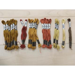 オリンパス(OLYMPUS)のオリムパス*刺繍糸*茶系*21本(生地/糸)