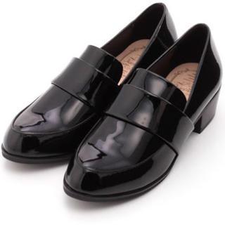 ザラ(ZARA)のkariang エナメル ローファー(ローファー/革靴)