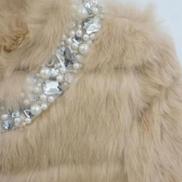 EmiriaWiz(エミリアウィズ)のエミリアウィズ ジュエリー ファーコート レディースのジャケット/アウター(毛皮/ファーコート)の商品写真