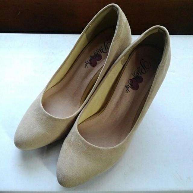 スウェードパンプス ベージュ レディースの靴/シューズ(ハイヒール/パンプス)の商品写真