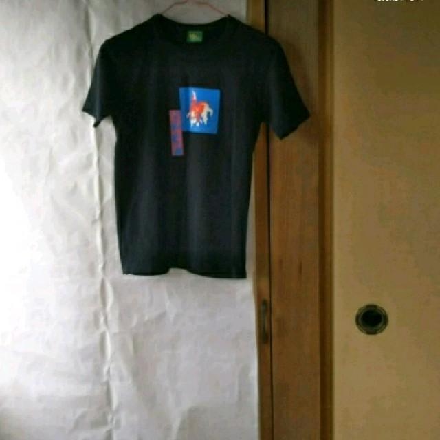 黒×金魚T レディースのトップス(Tシャツ(半袖/袖なし))の商品写真