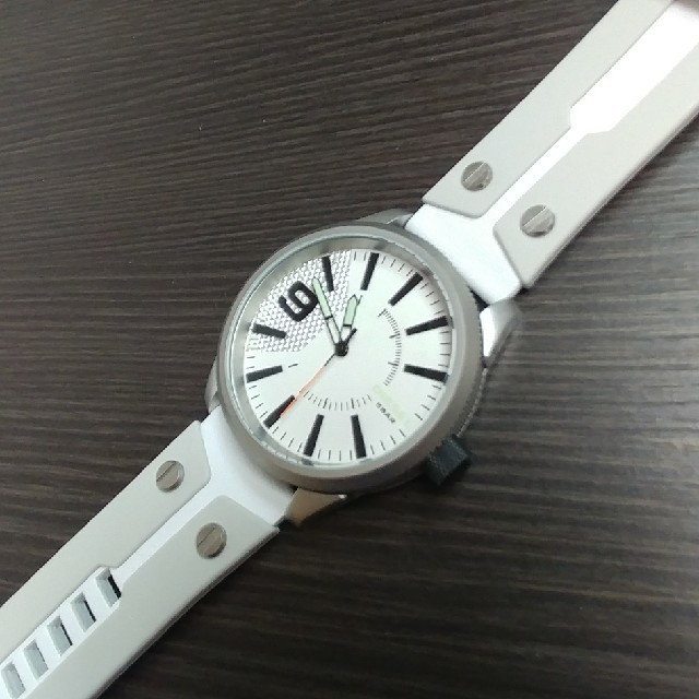 DIESEL(ディーゼル)の☆新品 DIESEL ディーゼル Rasp ラスプDZ1828 ホワイト メンズの時計(腕時計(アナログ))の商品写真