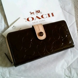 コーチ(COACH)の日本未発売!正規新品コーチエンボス長財布(財布)