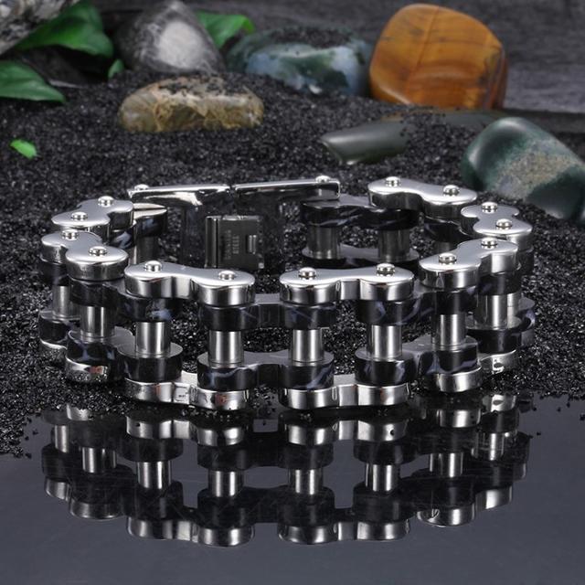 精良SUS316L 重量感 鎖の形 銀黒ブレスレット 幅24mm円235mm メンズのアクセサリー(ブレスレット)の商品写真