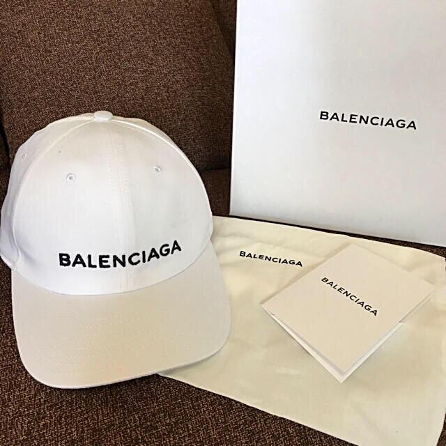 Balenciaga(バレンシアガ)の正規品☆新品未使用 BALENCIAGAバレンシアガ キャップ 白 レディース