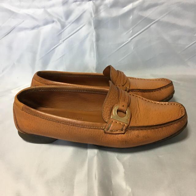 Salvatore Ferragamo(サルヴァトーレフェラガモ)のフェラガモガンチーニレザーローファー3 1/2Dブラウン レディースの靴/シューズ(ローファー/革靴)の商品写真