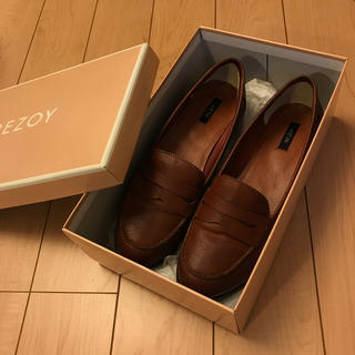 リゾイ(REZOY)の【新品 24.5】REZOY ローファー 茶色(ローファー/革靴)