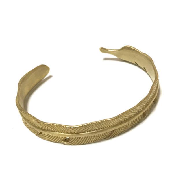 シンプル フェザーバングル ゴールドカラー ゴローズ好きにもオススメ  メンズのアクセサリー(バングル/リストバンド)の商品写真